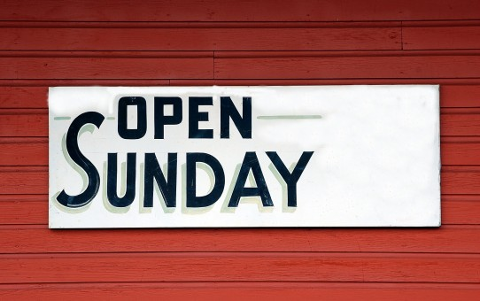 open-sunday-sign-1698635_1920